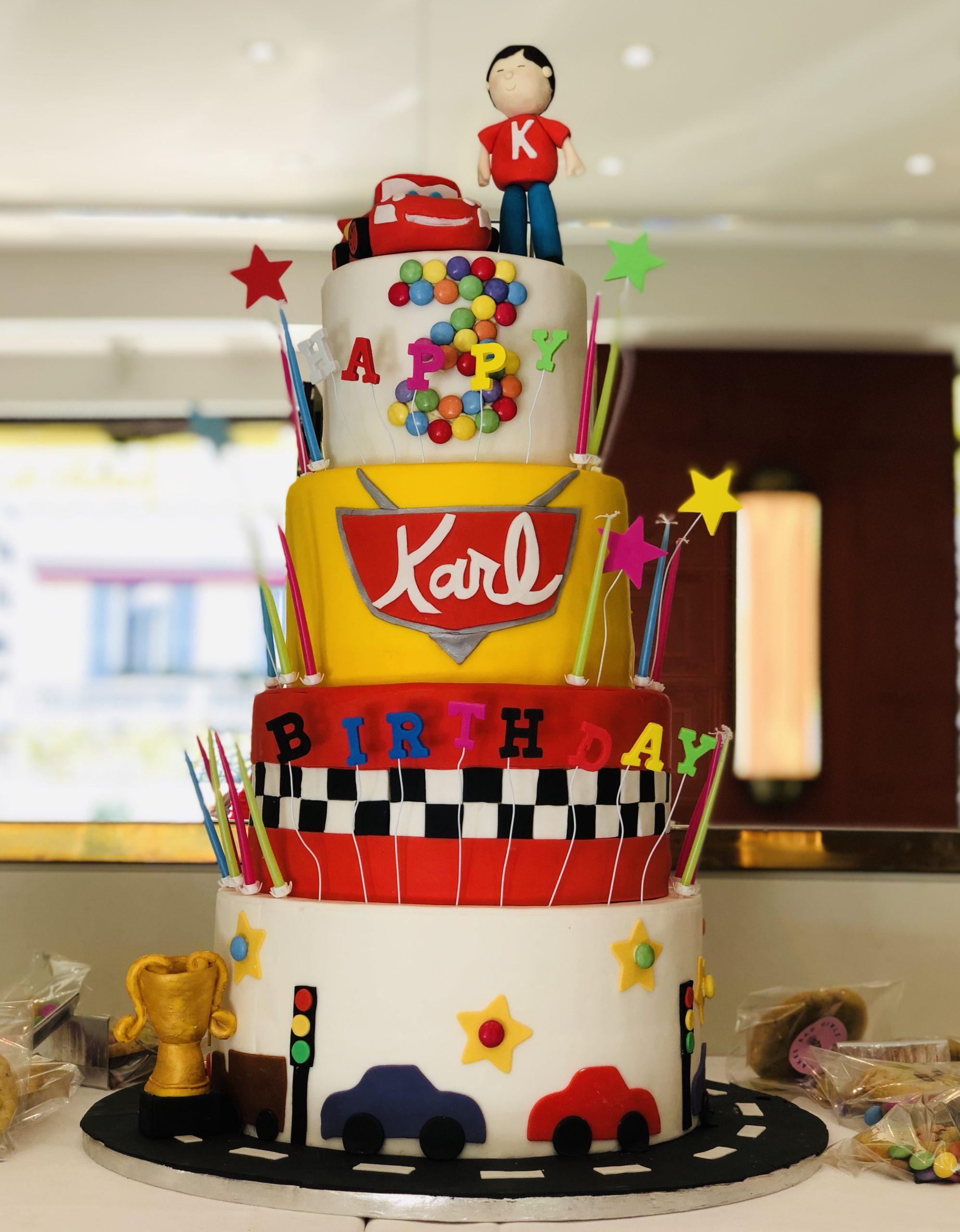 Bad Girls Good Cakes - Gâteau d'anniversaire enfant personnalisé