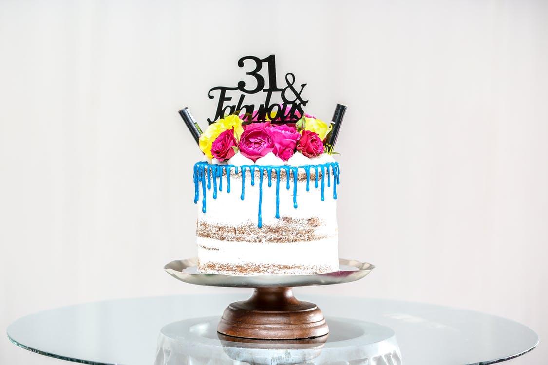 Bad Girls Good Cakes - Gâteau d'anniversaire personnalisé